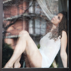 Behind the Window (Lucia Mondini) Tags: portrait window girl ventana donna mujer women chica retrato femme drop finestra fille ritratto fenetre ragazza goccia gocce
