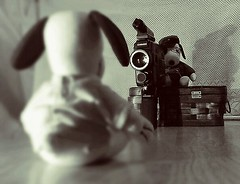 ~Snoopys Audition~ (K.Chris ~AlwaYs LeaRning~) Tags: snoopy peanuts toys humor chinonsuper8mm filmvideo vintage