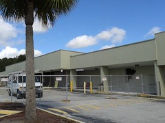 Future Lucky's Market - West Melbourne, FL (Albertsons Florida Blog) Tags: winndixie grocery store supermarket closing old 80s melbourne westmelbourne brevardcounty florida empty luckysmarket construction
