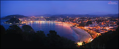San Sebastian dusk (_Hadock_) Tags: desktop city windows wallpaper panorama water night de atardecer lights luces bay noche la agua san day ipod sebastian dusk 5 background magic 4 country creative 7 8 commons ciudad screen panoramic full kings seven bahia xp vista hd ocho concha donosti basque eight fondo euskadi reyes donostia pantalla siete magos pantallas iphone guipuzcoa saver salva gipuzkoa 5s cantabrico ondarreta ipad walpaper igueldo urgul salvapantallas panoramikoa comons
