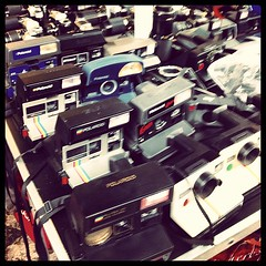 Polaroid (super_chiarina) Tags: berlin vintage germany square polaroid deutschland photography squareformat brannan germania mauerpark flohmarkt berlino märkte flohmärkte mercatinidellepulci iphoneography instagramapp uploaded:by=instagram foursquare:venue=4b813652f964a520a49a30e3 mercartini