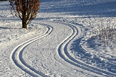 Snow Trails (Paulo N. Silva) Tags: sky snow oslonorway snowtrails