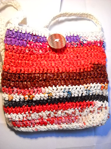 red bag (plastic bag yarn)
