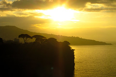 Sorrento Sunset (GarethThomasJones) Tags: light sunset italy canon evening italian view traffic good balcony low naples efs oldcamera southernitaly pianodisorrento badtraffic sd780 ixus100is goodweahter gareththomasjones hotelkleinwein