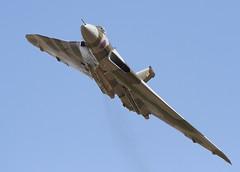 Vulcan (Bernie Condon) Tags: duxford airshow aircraft military bomber flying aviation jet raf airforce avro vulcan b2 xh558 triangle delta
