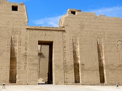 "Medinet Habou • <a style=""font-size:0.8em;"" href=""http://www.flickr.com/photos/92957341@N07/8594516652/"" target=""_blank"">View on Flickr</a>"