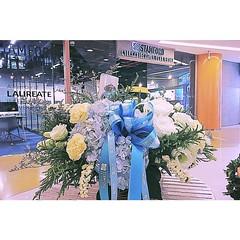 แสดงความยินดีกับคุณแมทธิว ดีน คุณลิเดีย ต้อนรับสมาชิกใหม่ครอบครัว ฉันทวานิช ..#fleur #flora #floral #flower #flowers  #rose #hydrangea #caspia #statis #lisanthus #carnation #florist #choosing #presenting #arranging #arrangement #basket #floraldesign #khun