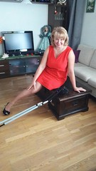 amp-1127 (vsmrn) Tags: amputee women crutches onelegged