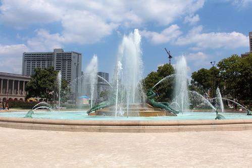Philadelphia - Logan Circle: Swan Memorial Fountain