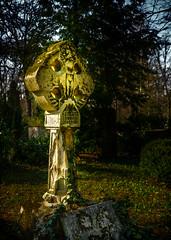 Grabsttte (berndtolksdorf1) Tags: grabsttte friedhof grabmal kreuz steinkreuz deutschland thringen weimar historisch