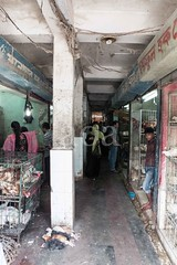 H504_3543 (bandashing) Tags: avian chicken hens poultry market live animal cage caged amborkhana shops shopping sylhet manchester england bangladesh bandashing aoa socialdocumentary akhtarowaisahmed