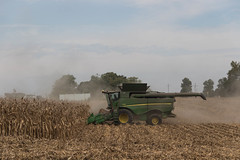 Harvesting Corn (Larry Senalik) Tags: 2016 canon dslr deere illinois john s680 t3i autumn combine corn fall green tractor