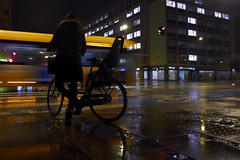 Kbh regnfuld aften 91 (Bjarne Erick) Tags: street reflection bus wet rain bicycle copenhagen transport olympus yellowbus amazingcolors vesterport xz1 captureonepro6 bjarneerick