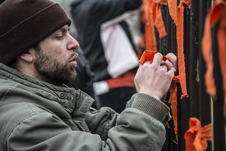 Witness Against Torture: Luke Ties a Ribbon