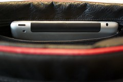iPad in bag (der_dennis) Tags: whatsinyourbag tasche ipad