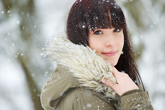 natural young beauty (gestiefeltekatze) Tags: portrait snow beauty daylight dance natural outdoor brunette albina circuz