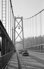 [Cars and pedestrians on the Lions Gate Bridge]