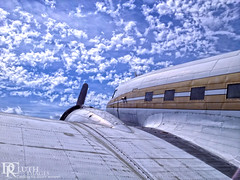 Timeless (Dennis Cluth) Tags: classic airplane dc3 iphone