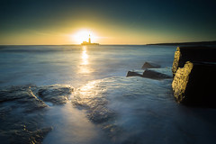 """St Mary's Lighthouse at Sunrise • <a style=""""font-size:0.8em;"""" href=""""https://www.flickr.com/photos/21540187@N07/8523135489/"""" target=""""_blank"""">View on Flickr</a>"""