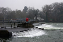 "2013_365066 - Pangbourne Weir • <a style=""font-size:0.8em;"" href=""http://www.flickr.com/photos/84668659@N00/8538158353/"" target=""_blank"">View on Flickr</a>"