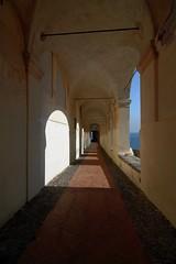 Per le antiche strade (meghimeg) Tags: 2013 imperia logge mare sea archi arch sole sun shadow ombre vie strade street