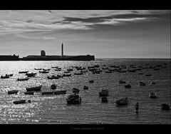 Cdiz (Javier Martinez de la Ossa) Tags: blackandwhite bw espaa byn blancoynegro faro andaluca spain agua barcos bn andalusia barcas cdiz espagne atlntico caleta ocano thegalaxy d700 nikond700 bahiadecdiz bwclassic bestcapturesaoi mygearandme mygearandmepremium mygearandmebronze javiermartinezdelaossa blinkagain photographyforrecreation photographyforrecreationeliteclub rememberthatmomentlevel1 rememberthatmomentlevel3 vigilantphotographersunite vpu2 photographyforrecreationbwclassic