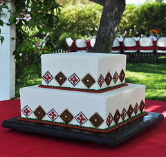 DSC_0777 (Heavenly Cupcake SD) Tags: wedding red black green tile square pearl piping beaded fondant tiered simplistic celebtation