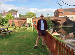 Red Lion Pub (Rory Llowarch) Tags: hopwas tamworth hopwastamworth pubs pub staffordshire canal canals garden canalboats hopwasstaffordshire england english coventrycanal englishheritage englishhistory englishpub englishpubs food boozer booze wine beer alcohol gin whiskey whisky brandy rum gardens b783af pubfood summer summertime sunshine sunny water clouds cloud bridge bridges travel royllowarch llowarch royrichardllowarch prettygreen pg fp fredperry sebago village villagepub villagepubs villages countrypub countrypubs scenic
