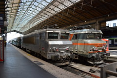 SNCF 22240 & 22333 (Will Swain) Tags: paris gare du nord 18th july 2016 train trains rail railway railways transport travel vehicle vehicles europe france french voyage capital city centre parisien ile de ledefrance le sncf 22240 22333