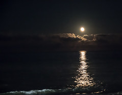 Moonlight from Rehoboth Beach (The Flying Inn) Tags: atlanticocean beach moon night rehoboth sussexcounty clouds delaware moonlight reflection