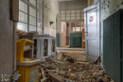 Schools Out 01 (Kristof Ven - beauty in decay / urbex -) Tags: schoolsout ue urbex urban exploration beauty decay abandoned