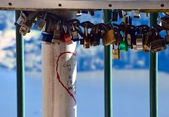 Unbreakable Love (~~J) Tags: fence fencefriday locks love heart green red blue lovelocks unbreakable connected