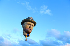 Vincent :) ((( n a t y ))) Tags: vangogh holland netherlands nederland fryslan friesland hotairballoon sky sunset festival art vincent expresionism clouds canon eos6d flying intheair