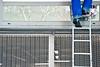 azul gallego (Sili[k]) Tags: madrid blue españa muro feet azul wall pared nikon paint legs escalera pies worker ladder pintura piernas trabajador d3000