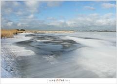 Kuiend ijs (1D134537) (nandOOnline) Tags: winter berg nederland natuur vuurtoren marken landschap noordholland ijselmeer ijs vorst markermeer vriezen ijsschotsen kruiendijs dooien paardvanmarken