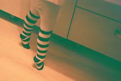 pe vrfuri (codin.g) Tags: film toes legs superia olympus romania fujifilm mjuii stylusepic picioare linii codin inclinat dungi varfuri
