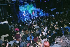 freak scene (oldmanofthesea) Tags: dinosaurjr live grunge crowd leeds heads jmascis yashicat3