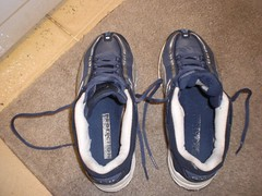 2114758290101387008aGGUtb_fs (CallalilyGazer) Tags: shoes bleach dirty sneakers tennis worn smelly stinky oldshoes smellyshoes dirtysneakers muddysneakers wetsneakers washsneakers