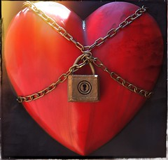 Unlock your hearts, Valentines (magneticart) Tags: love happy heart lock valentine lovers lovely unlock valentinesday saintvalentine happyvalentineday magneticart  giovannisavino heartinchains