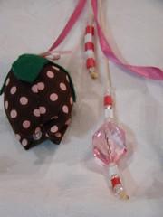 Chaveiro tulipa (Artes, Panos e Pelúcias) Tags: fuxico portachaves tulipa tecido chaveiro