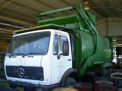 Old Merc Benz Front-Lift (AussieGarbo) Tags: trash truck mercedes benz garbage industrial lift disposal front collection v commercial rubbish vehicle series service fl waste refuse loader recycling trade services merc 2222 gunnedah wastemaster