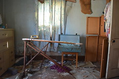 iron your shirt and pack your bags @ nobody visits her anymore house (Aces & Eights Photography) Tags: abandoned decay oldhouse abandonedhouse abandonment ruraldecay