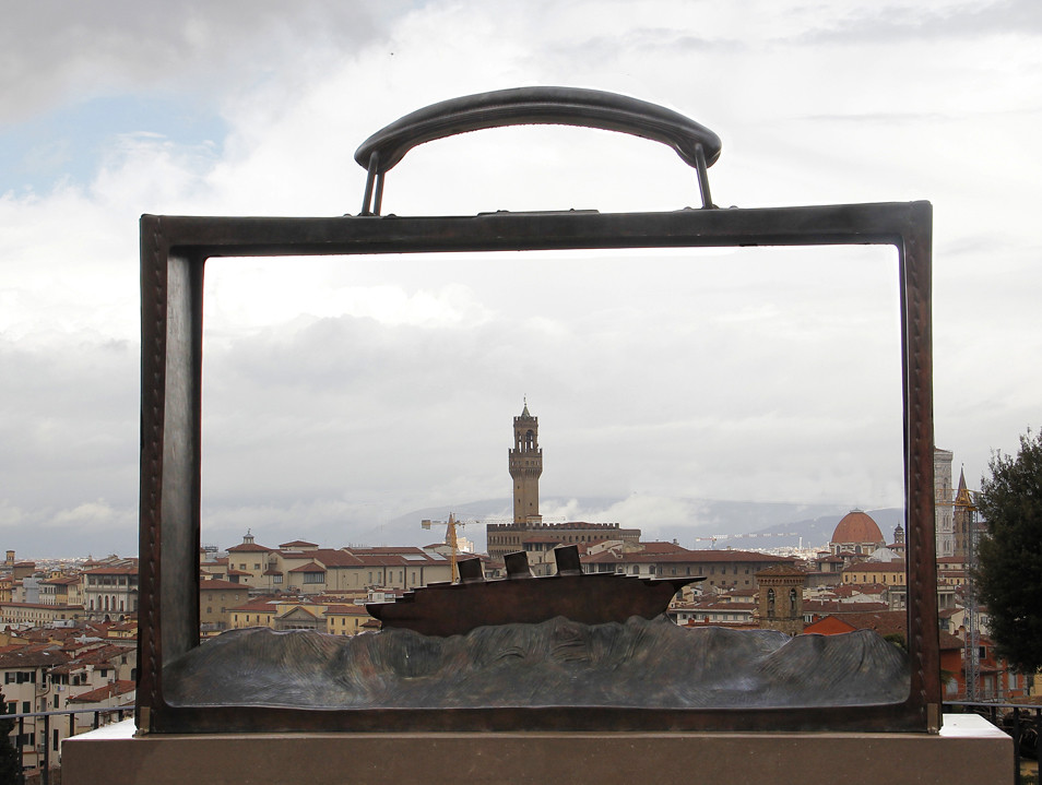 20bde302441 Partir (Claudia Celli Simi) Tags  italia arte nave firenze toscana partir  scultura folon