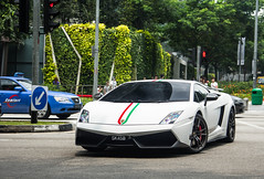 "*Re-upload* ""Shiny"" Superlight. (Sathya Melvani) Tags: white canon singapore kiss stripes dope sick lamborghini bianco matte x4 gallardo sathya 24105 tricolore superleggera f4l 550d lp5704 melvani"