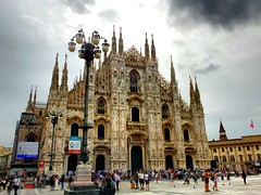 Duomo di milano (romain.cacace) Tags: europa europe voyage travel photography arty claircie lumiere nuageux ciel contraste italy italia italie milano milan duomo