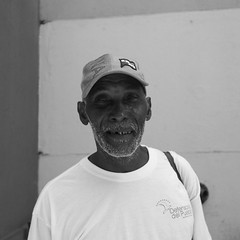 Buena Gente (El JimJoe) Tags: panama pty gente buena contrast street talk calle kennedy