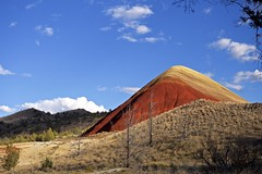 Red Hill (lucas.lin) Tags: oregon paintedhills