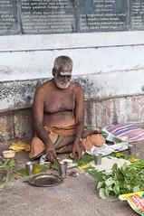 குறள் 43 (Arvind Balaraman) Tags: thirukkural thiruvalluvar tamilscripture ilvazhkai kural43