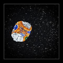 ist das Kunst ... (geka_photo) Tags: gekaphoto hamburg deutschland getränkedose dose platt zerdrückt orange fanta