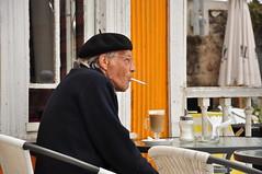Disfrutando de la maana (https://www.h2ofotografia.com) Tags: maana cafe nikon vida anciano desayuno fumar pensar boina puro abuelo cigarro arrugas contemplacion reflexionar meditacion matutino ccmmss02 uploaded:by=flickrmobile flickriosapp:filter=nofilter